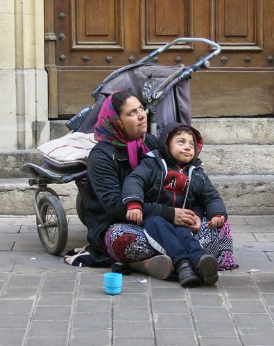 child beggars photo